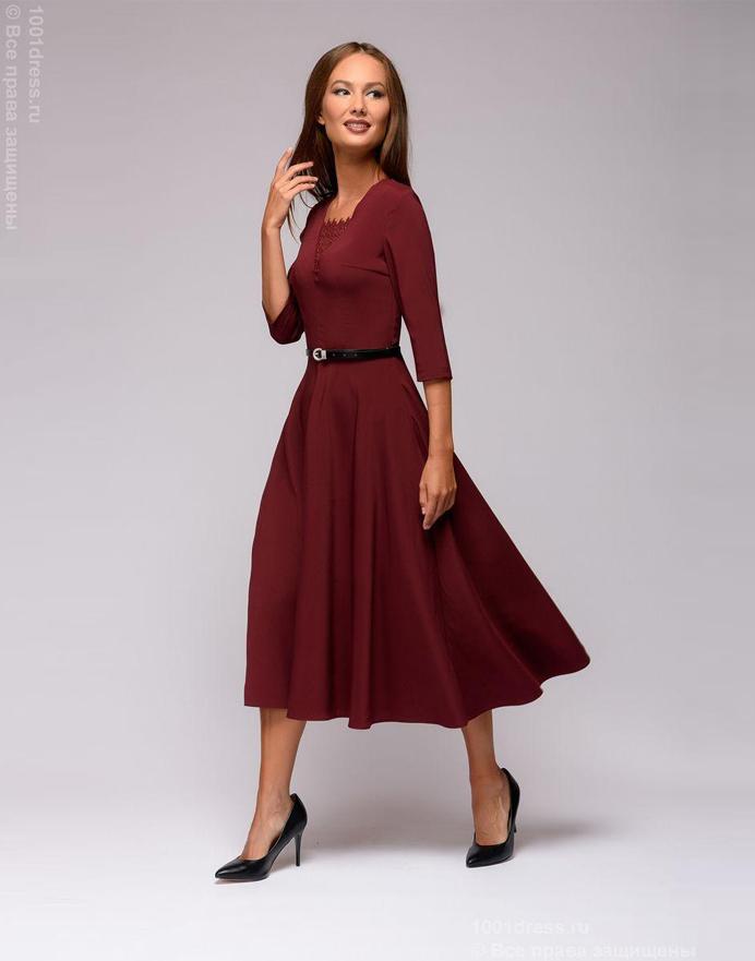 01f2c2da3fb Бордовое платье-миди с кружевной вставкой
