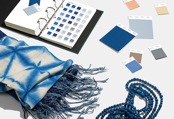 pantone-color-of-the-year-2020-classic-blue-tools-fashion.jpg