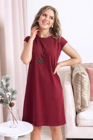 Платье без рукавов прямого кроя