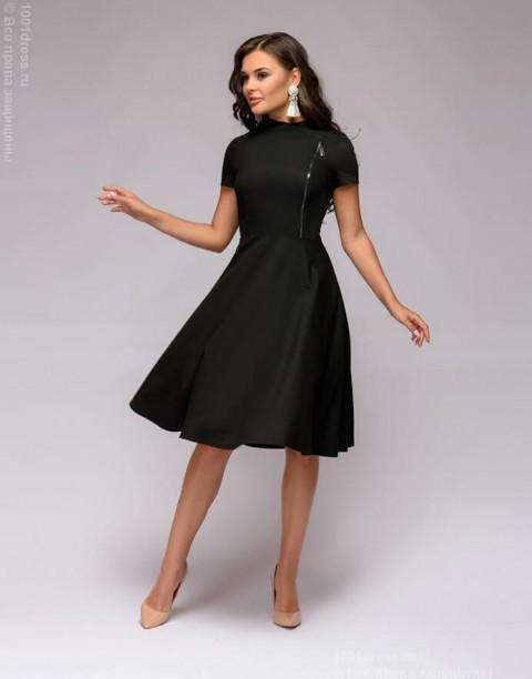 Платье с декоративной молнией и воротником стойкой