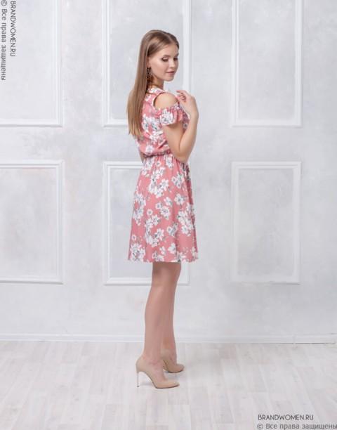 Платье длины мини с воланом на плечах