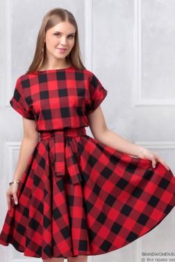 Платье со свободным верхом и поясом