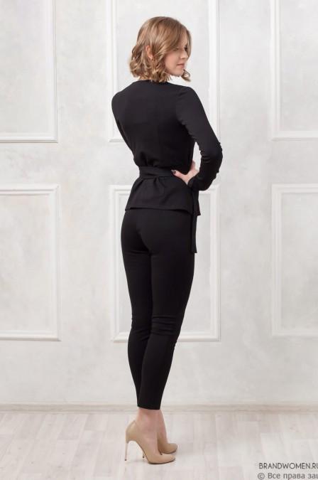 Костюм-двойка с пиджаком и брюками