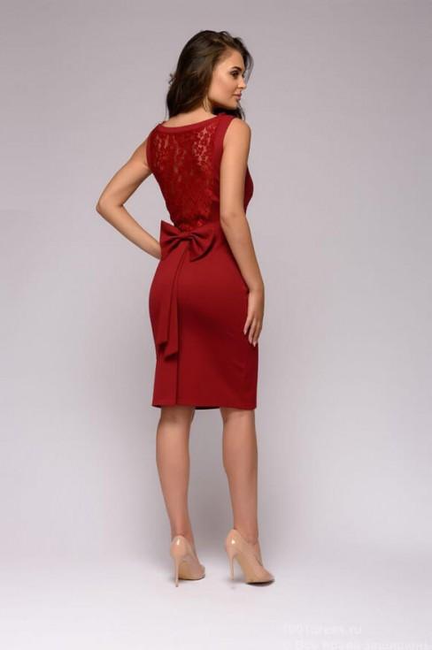 Платье футляр с кружевной спинкой