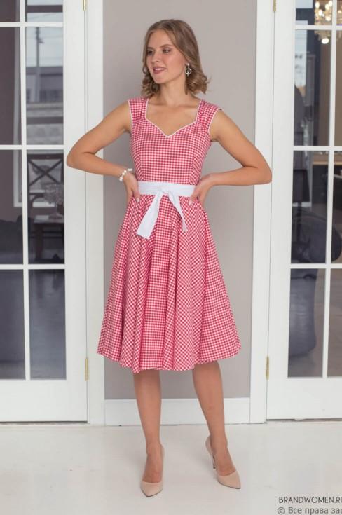 Платье-миди с ажурным вырезом и поясом