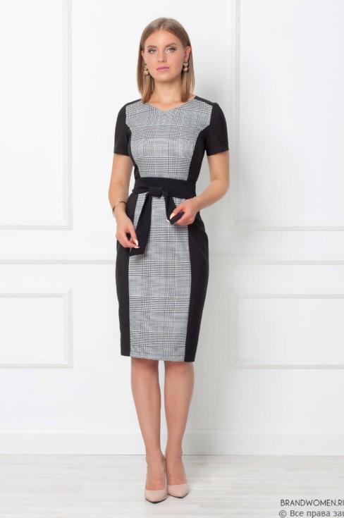 Платье-футляр с короткими рукавами и поясом
