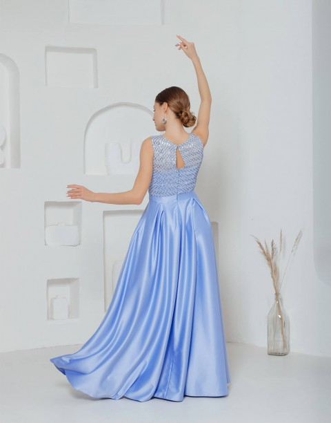 Платье-макси с пайетками на лифе