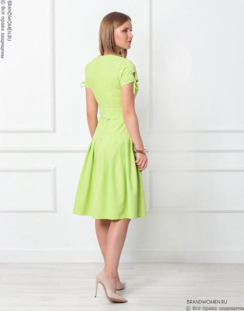 Платье-миди с коротким рукавом и складками на юбке