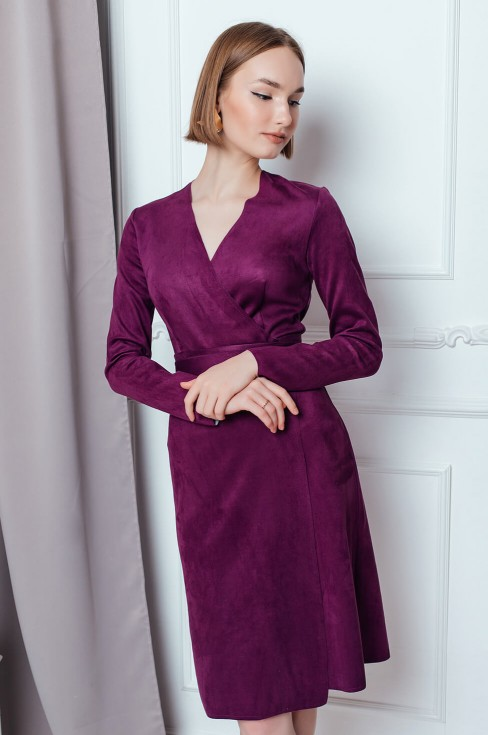 Замшевое платье на запах