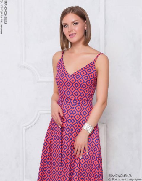 Платье-сарафан на бретелях длины макси