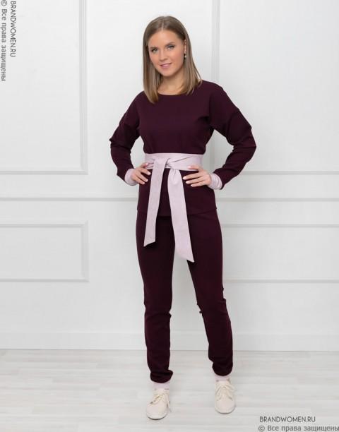 Брючный костюм с манжетами и поясом