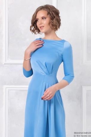 Платье-макси с драпировкой на юбке