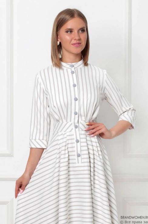 Платье-миди с обтяжными пуговицами