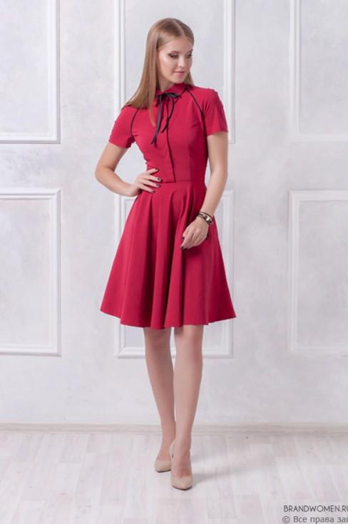 Платье с кантом и рукавом реглан