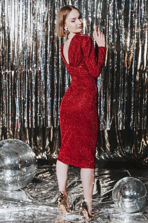 Платье-футляр с открытой спиной и длинными рукавами