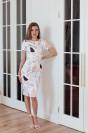 Платье-футляр с короткими рукавами