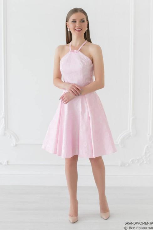 Жаккардовое платье-мини на бретелях