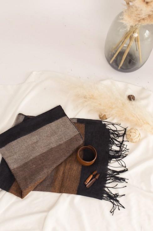 Коричневый шерстяной шарф