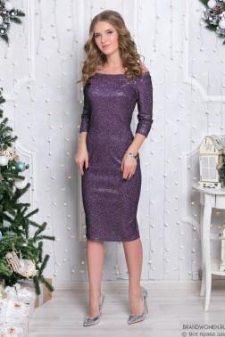 Силуэтное платье с открытыми плечами