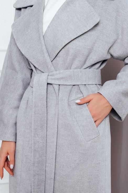 Пальто с отложным воротником и поясом