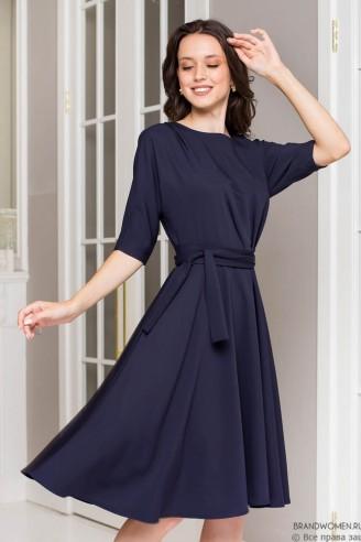 Платье длины миди с защипами на талии