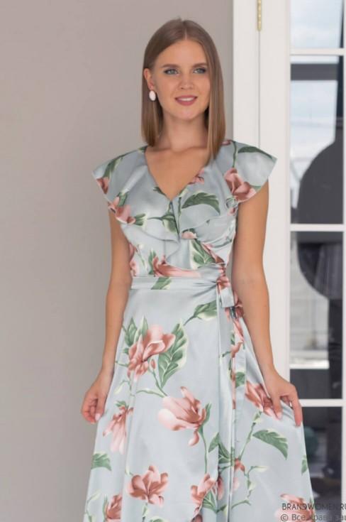 Разноуровневое платье на запах без рукавов