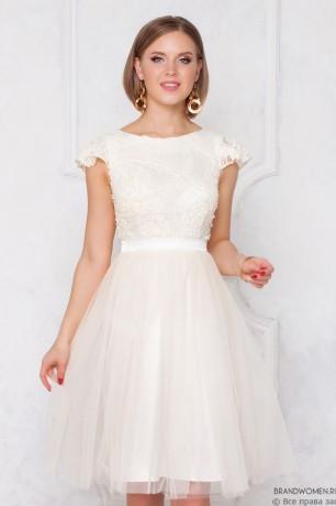 Платье-мини с пышной фатиновой юбкой
