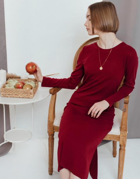 Прямое платье длины миди с разрезом