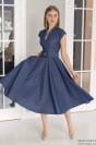 Джинсовое платье-миди с вырезом и поясом