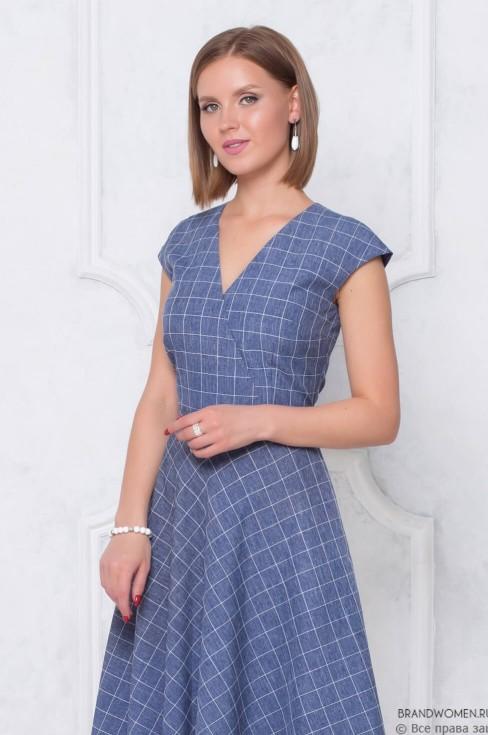 Платье-миди с V-образным вырезом на запах