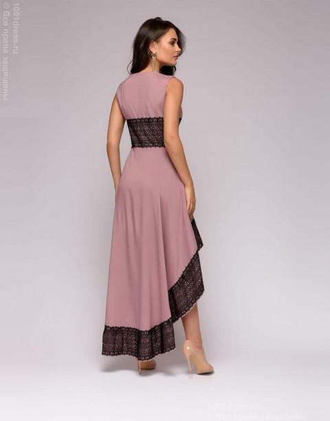 Разноуровневое платье с кружевной отделкой