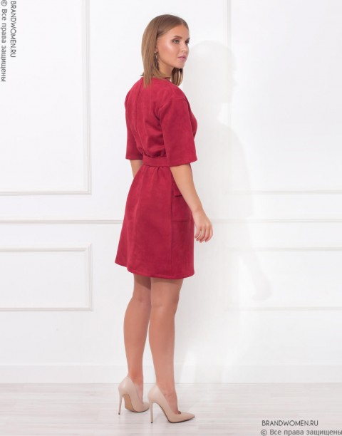 Платье-мини с V-образным вырезом и карманами