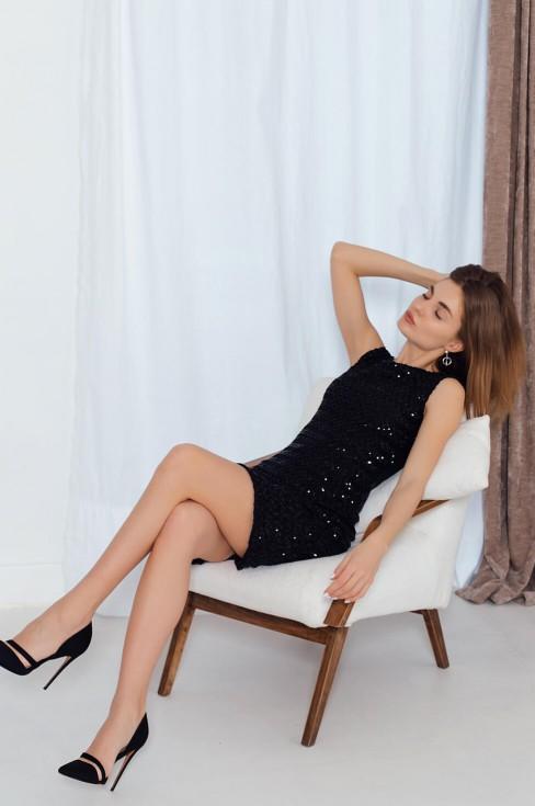 Платье без рукавов с мелкими пайетками