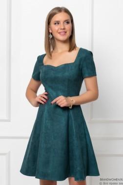 Платье-мини с фигурным вырезом