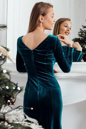 Силуэтное платье из бархата