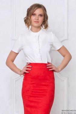 Рубашка с оборкой и коротким рукавом