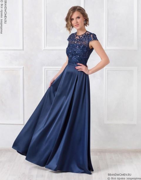 Платье макси с расклешенной атласной юбкой