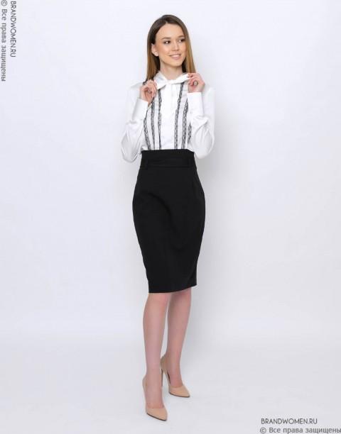Блуза с кружевной отделкой и бантом