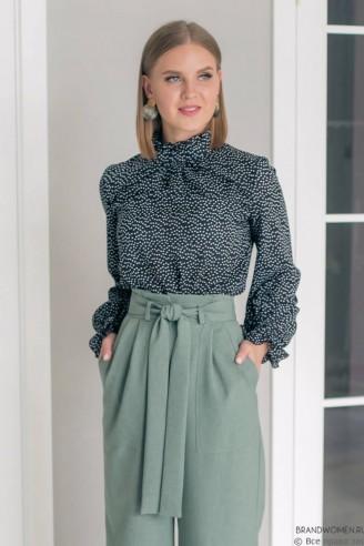 Блуза с рюшей на манжетах