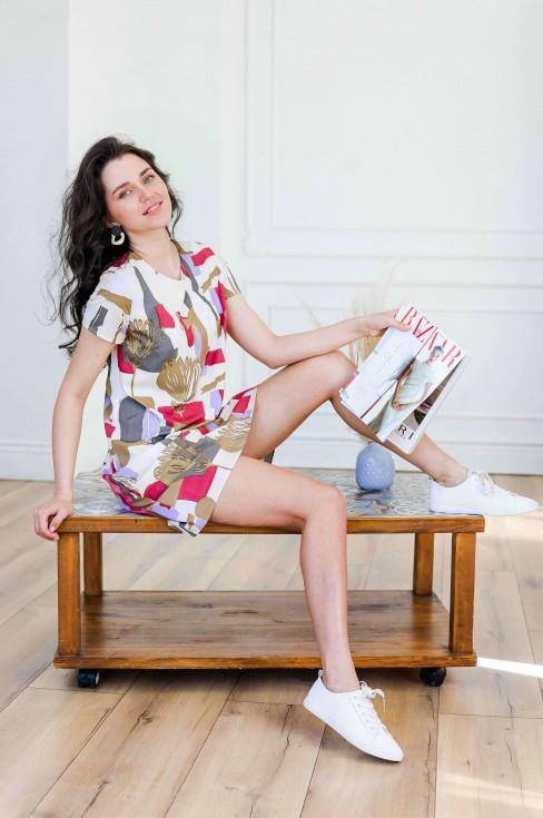 Платье А-силуэта с коротким рукавом