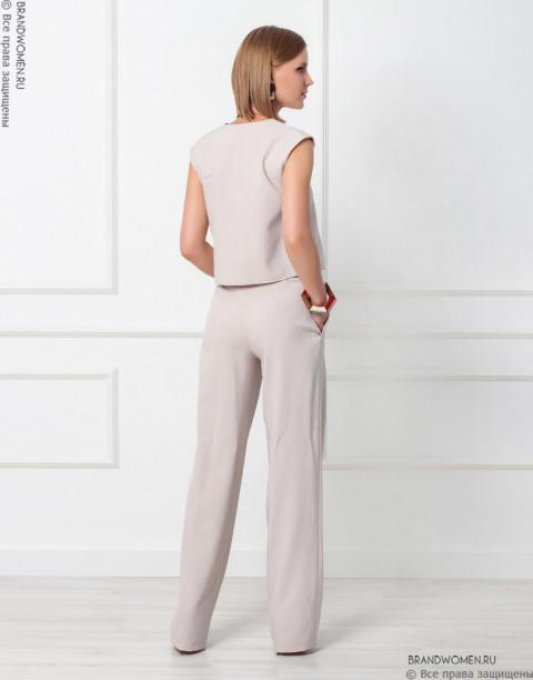 Костюм из широких брюк и жилетки