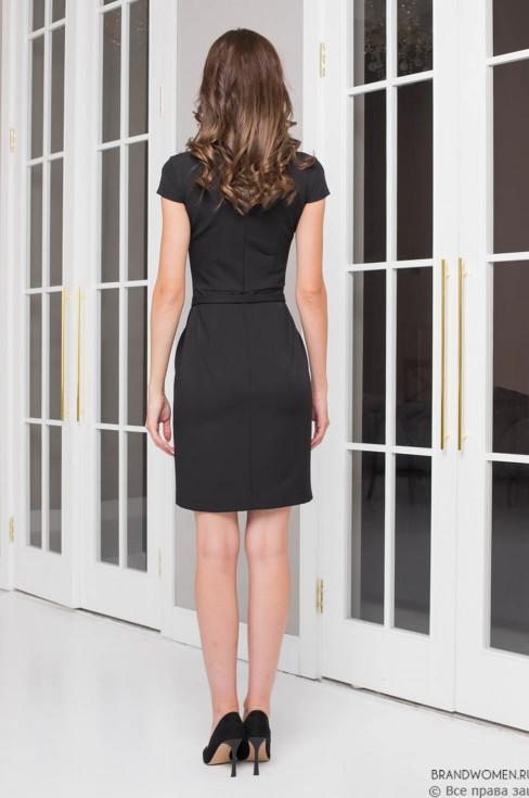 Платье-футляр с разрезом и поясом