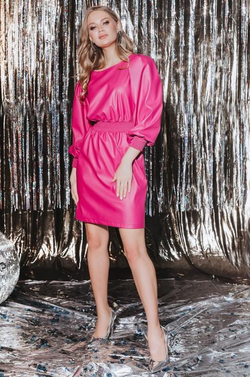 Кожаное платье длины мини