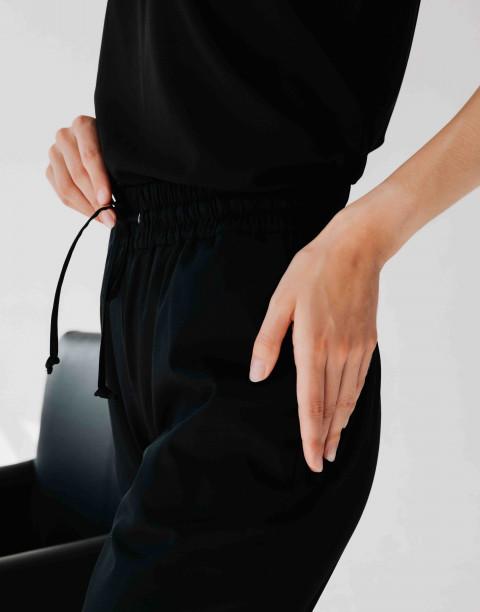 Брюки с карманами на резинке