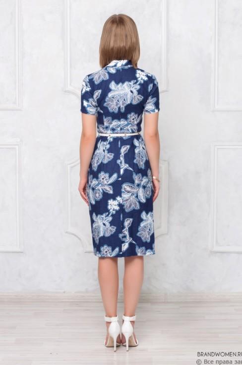 Платье-футляр с отложным воротником