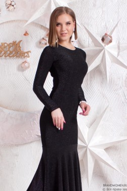 Силуэтное платье-макси с длинными рукавами