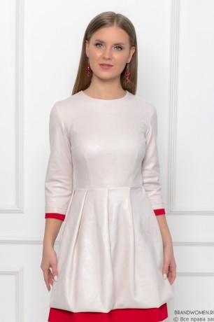 Платье-мини с контрастной отделкой