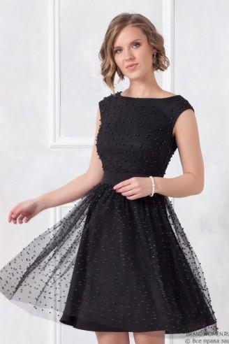 Платье длины мини с декором из бусин