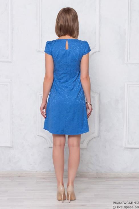Платье-трапеция длины мини с короткими рукавами