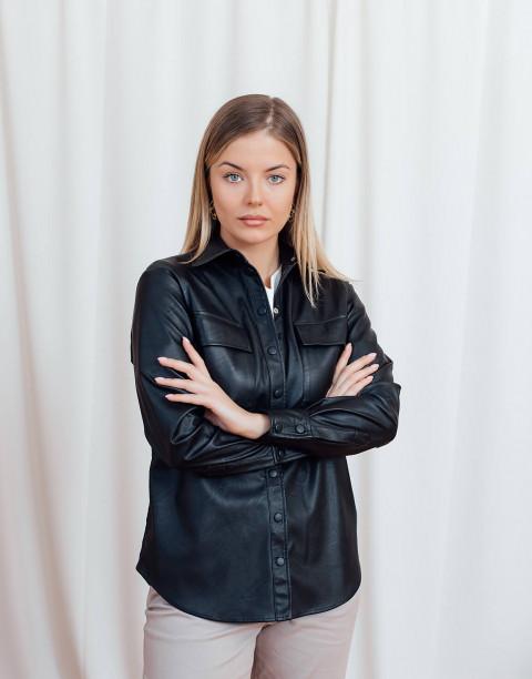 Рубашка из экокожи с карманами